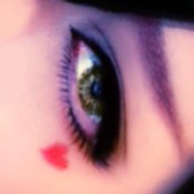 小悪魔/魔女系メイクのAfter画像