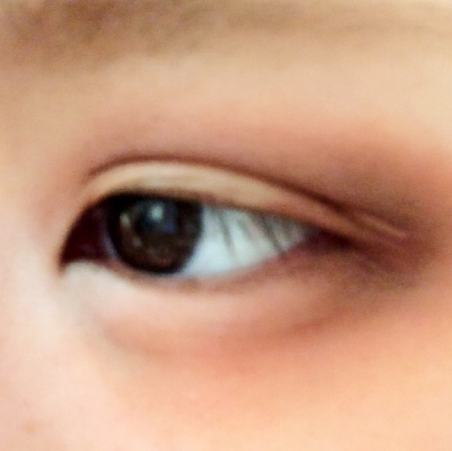 こんな感じです。 下瞼は1/3ほど塗るように