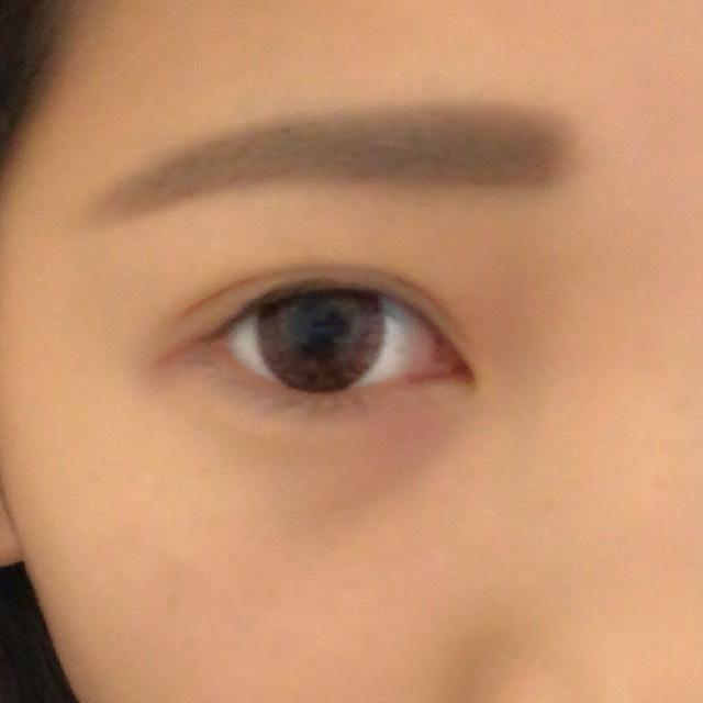 眉マスカラで色をつけたら眉毛は完成