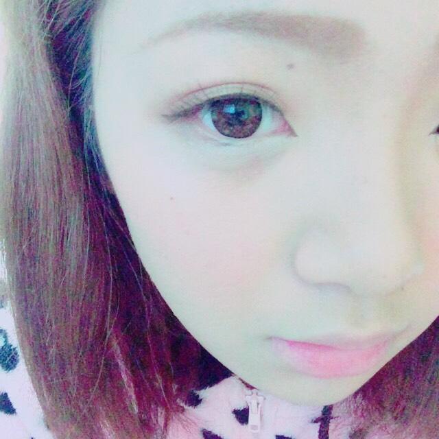 チークはピンク系 眉毛は太すぎず細すぎず。こんな感じです♡
