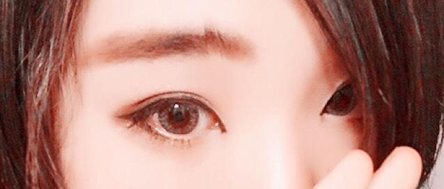 グレー濃い目メイク