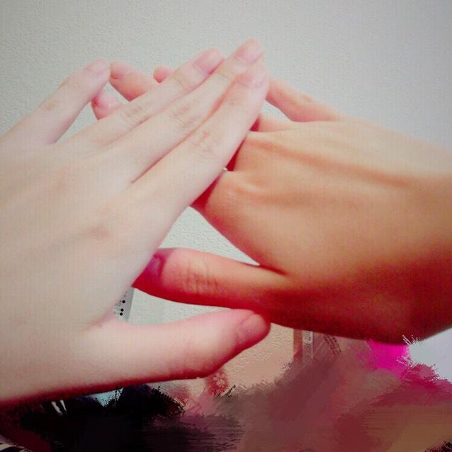 両方の手を比べるとこんな感じです (左がやった方)