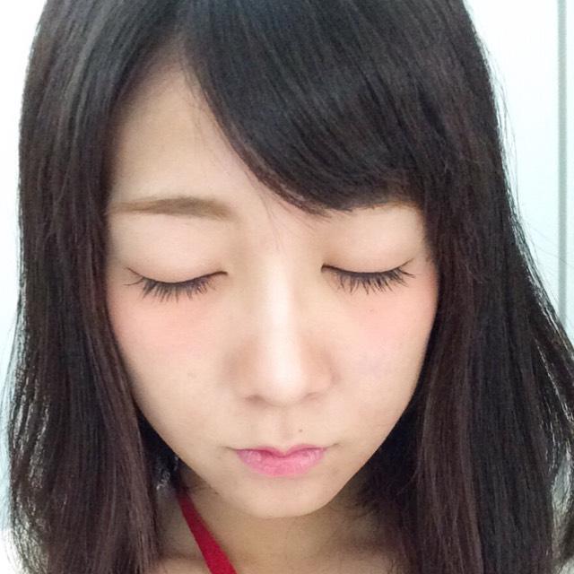 個人的にとにかくアイラインは細くまつ毛の隙間を埋める程度、目尻はタレ目、まつ毛はボリュームではなく長さ重視、綺麗に伸ばすのがこだわり!!
