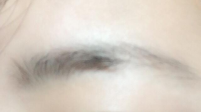 眉毛の脱色のBefore画像