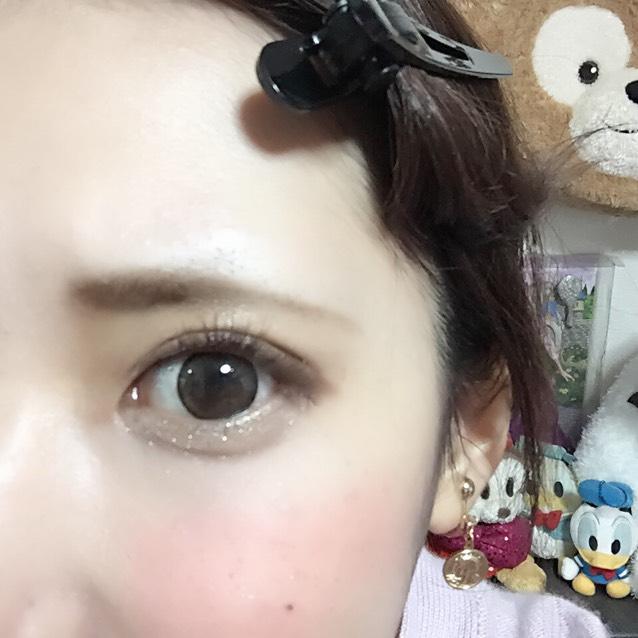 ♡ダイヤモンドラッシュバンビeye  つけまつげを目尻下げ気味につけます。黒目の中央はなるべく上に向かせると丸目にも。