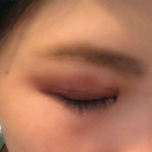 ①で眉毛を描き、②で眉マスカラをして、③をブラシでのせたらフワフワ眉の出来上がりです 先にマスカラをしない理由はマスカラをしてから眉毛にパウダーを載せると睫毛にパウダーがつき、汚くなるからです