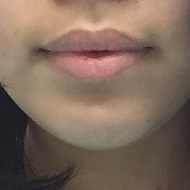 何もやってない状態。 この厚い唇、結構コンプレックス~