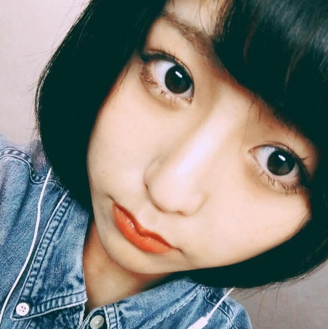 黒髪×赤リップ
