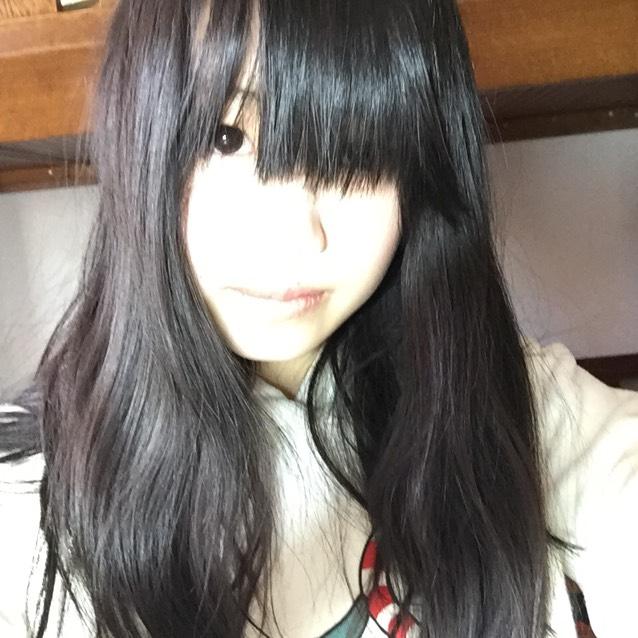 伸ばし中の前髪って長さが中途半端でイライラしますよね!! 私のノーマルな前髪がこんな感じです(笑)