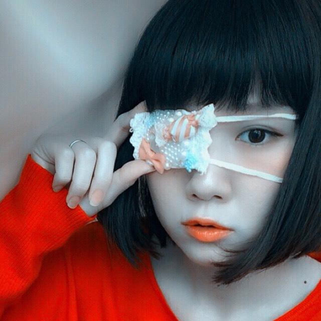 裸眼×眼帯