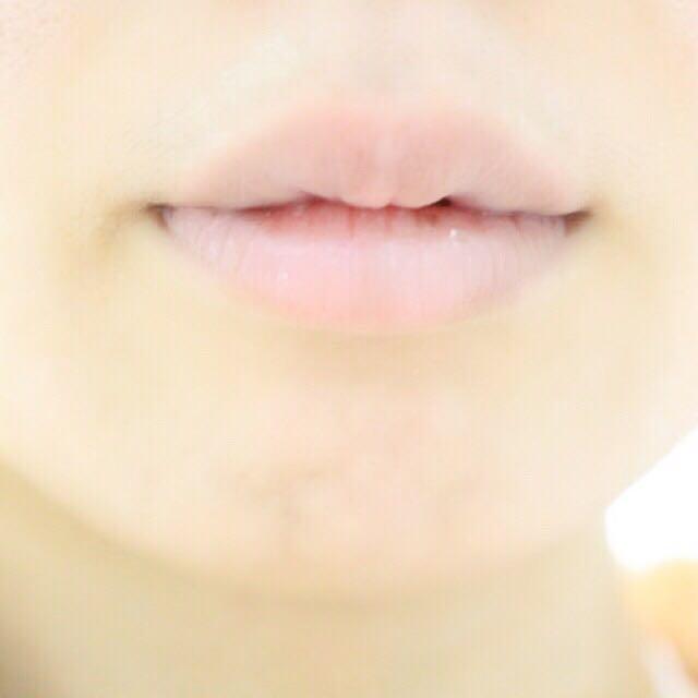 私の唇は、かなり血色が悪いので、赤リップを選んで血色底上げしています…  ピンクが似合う人は、ピンクでいいと思います!