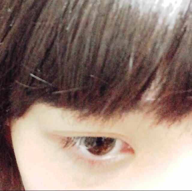 こちらがすっぴんの目です。