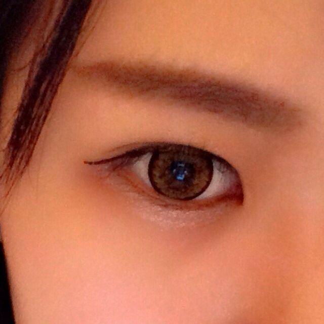 塗った後がこんな感じです。 瞳の下をちょっと濃いめに太くするとふっくらして見えます!