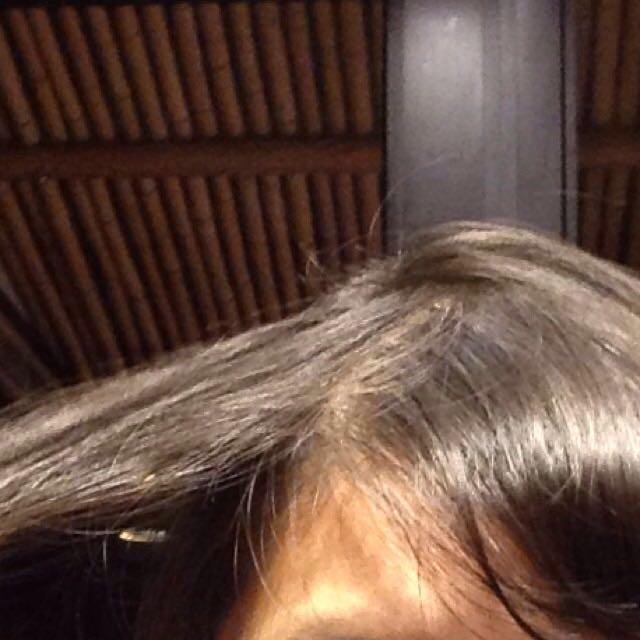 まずぱっつんのの隣の長い髪の毛をとります