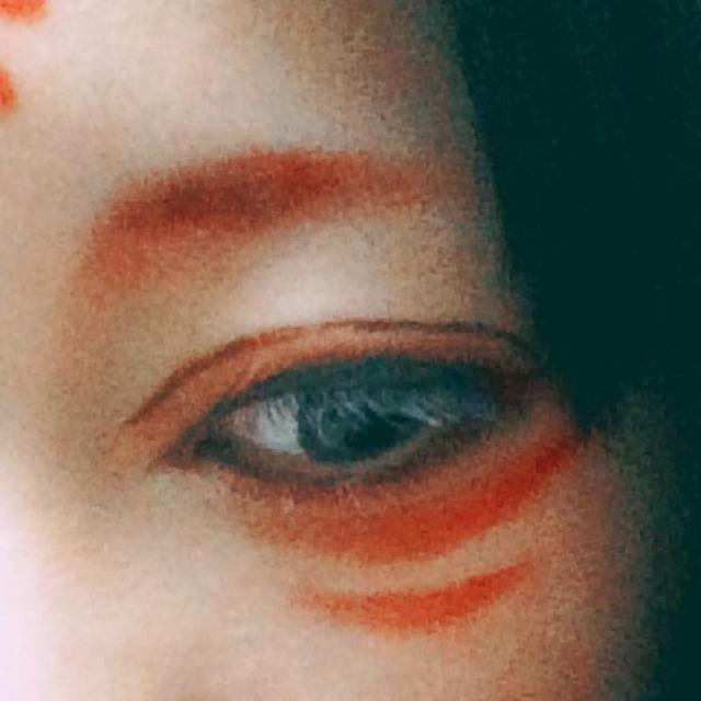 4.マスカラは白マスカラがあればそれで。私はなかったので普通のマスカラを塗ってから、ベビーパウダーをのせました。