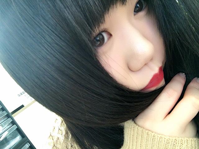 こんにちはー! まなみんです(*ˊᵕˋ*)♡ 今日は自分が持ってる化粧品を紹介したいと思いマッス৲( °৺° )৴