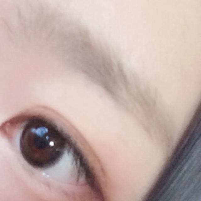 眉マスカラを塗ると こんな感じ(`•ω•´)