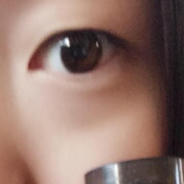 私は、もともと 瞼がかなり重い 一重まぶたです!