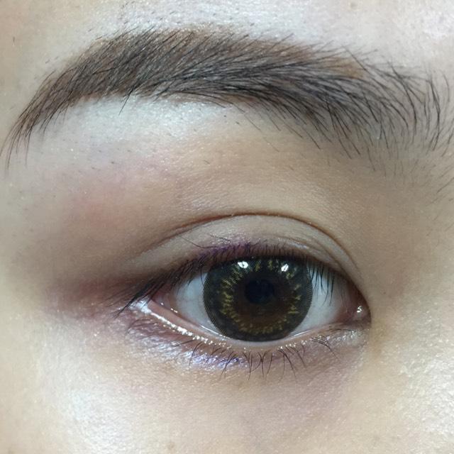 カラコン ファンデ 眉毛 できてます。 眉毛は薄いほうがいいね…