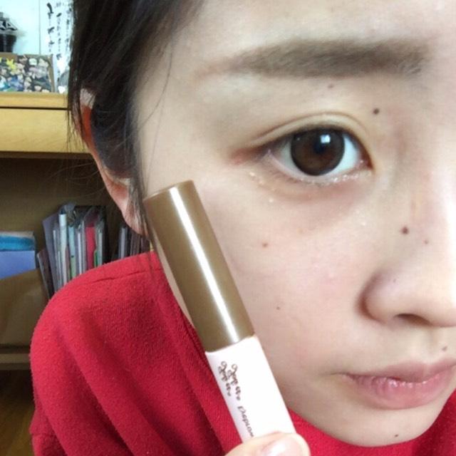 眉マスカラはアヴァンセのナチュラルブラウンです!! 眉頭から眉尻にそってぬりぬり〜
