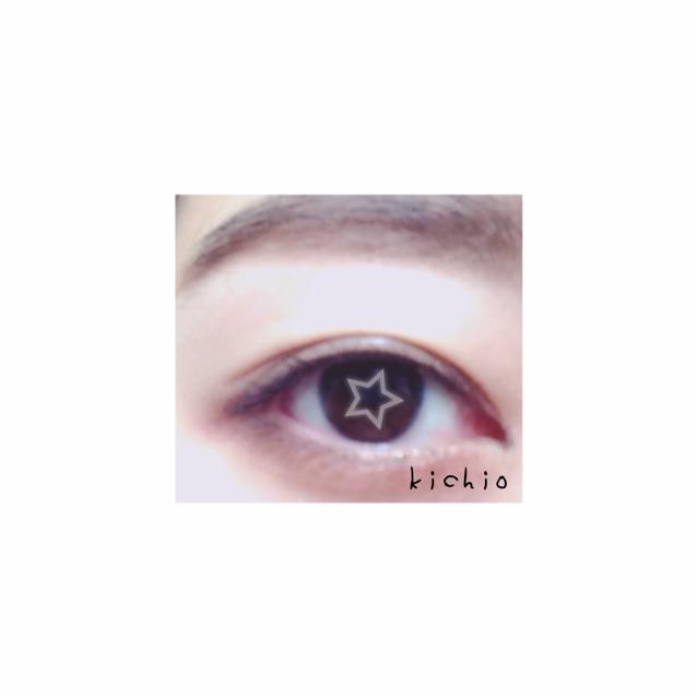 眉毛はアッシュか薄いブラウンで色素を薄くみせる  ポイントは眉毛と目の間隔を狭くすること  アイラインはあまり太くしない方が抜け感がる     蒙古膜が広い人は切開ラインを引くとパーツが中心によって見える