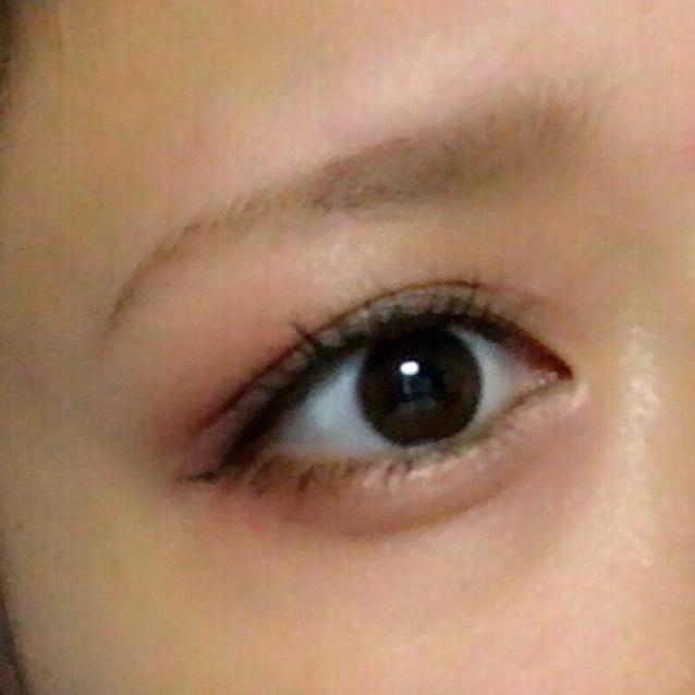 涙袋の影を書いて、眉毛を書く。下まつ毛にマスカラをして完成。(私は最後にメザイク)