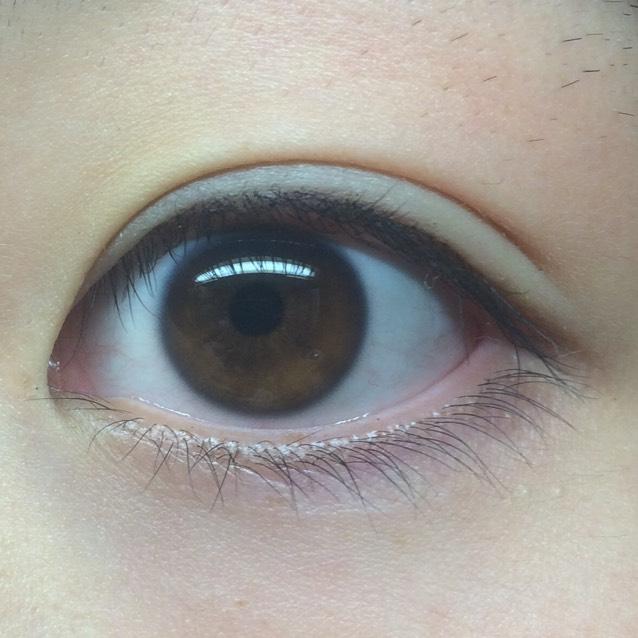 まず私の裸眼から!  結構茶目で 黒ふちがあります からのおめめ小さめ