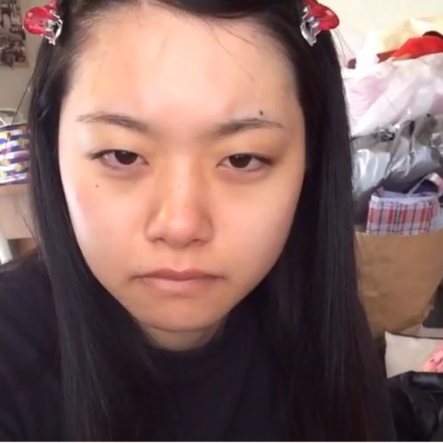 用百元商店化妝品打造韓國風妝容のBefore画像