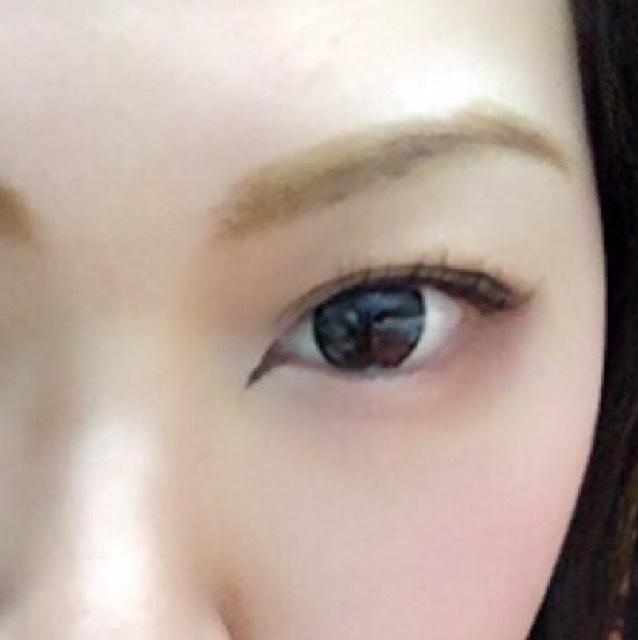 眉毛です!一番苦手…… 明るい茶色でベースを書きます