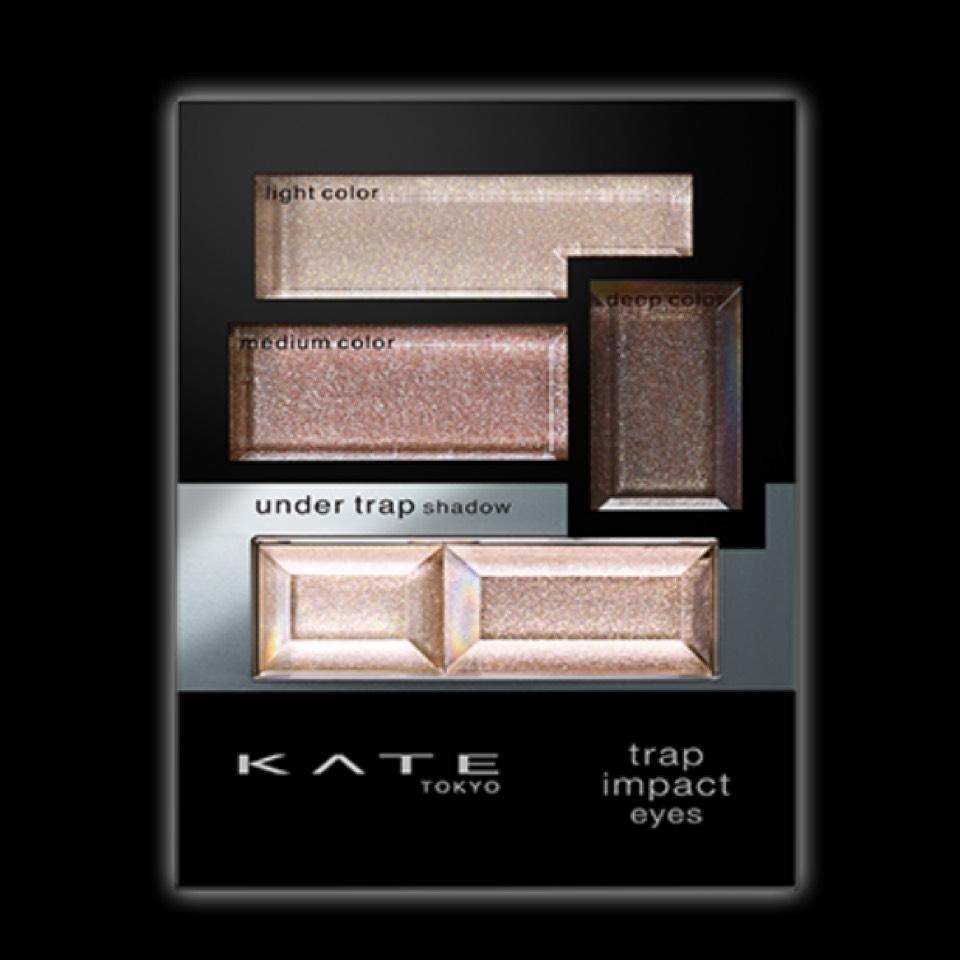 アイシャドウはKATEを愛用中♡ この色ではなくゴールド系を使ってます(*´ェ`*)