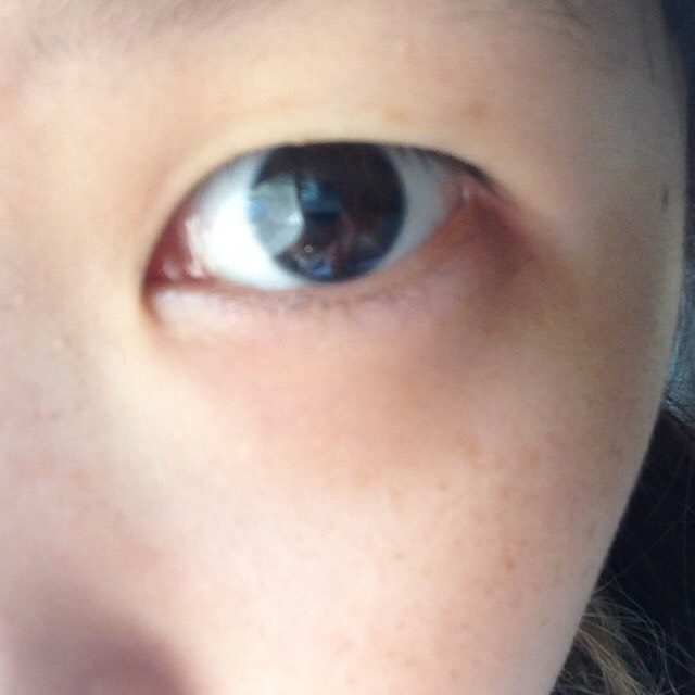 デカ目裸眼一重のBefore画像
