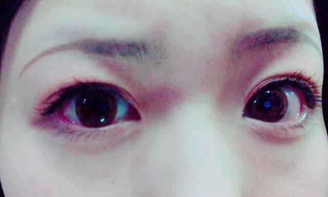 マスカラを塗って、 目は完成です(*^^*)