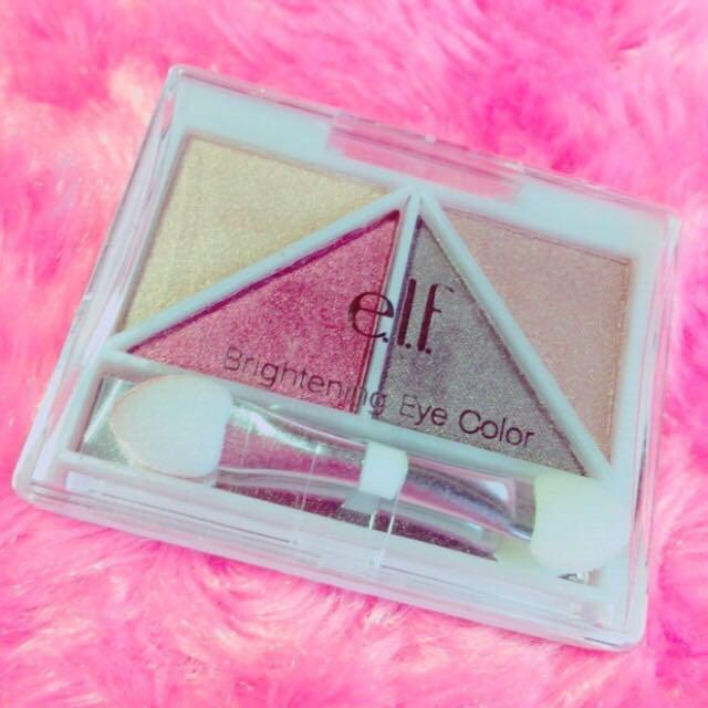 アイシャドウは  e.l.f.のアイシャドウ Brightening Eye Color Luxeを使用します