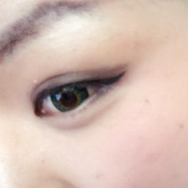 ③の色 二重幅、下瞼1/3に薄くぼかしながらオン