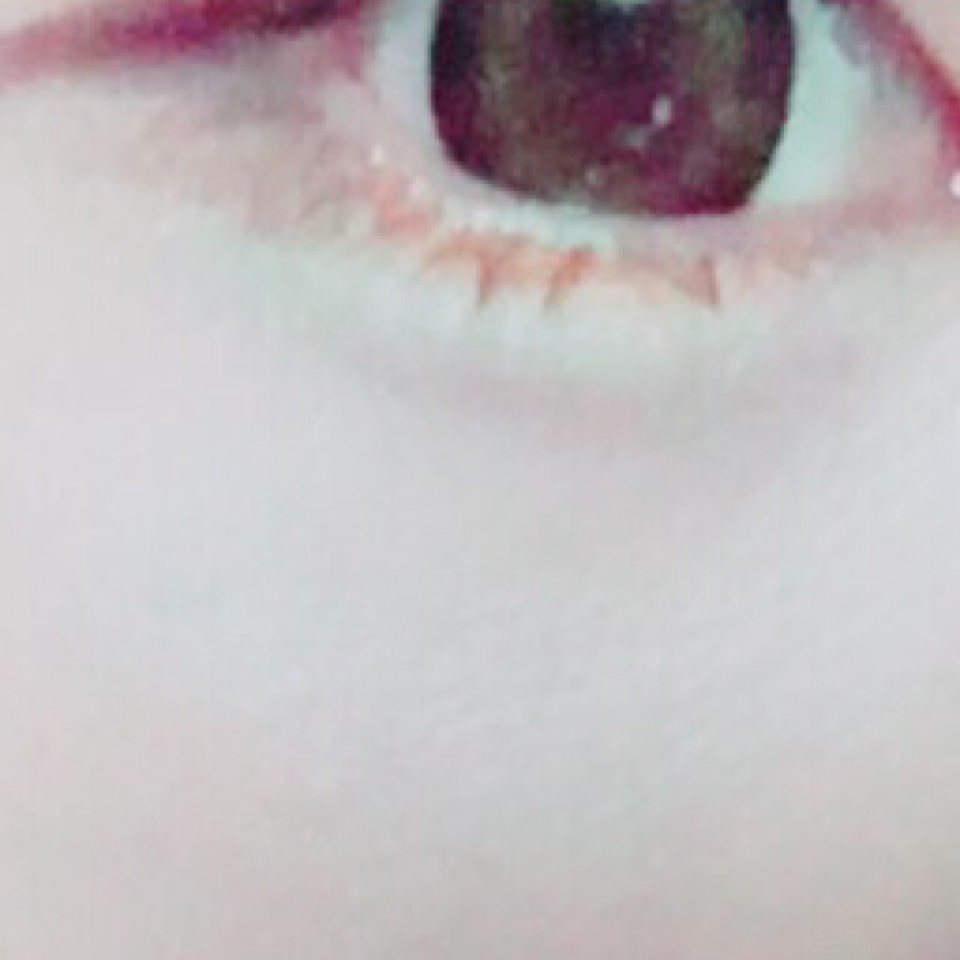 なんとなく黒目の下にオレンジのアイラインを入れてみた