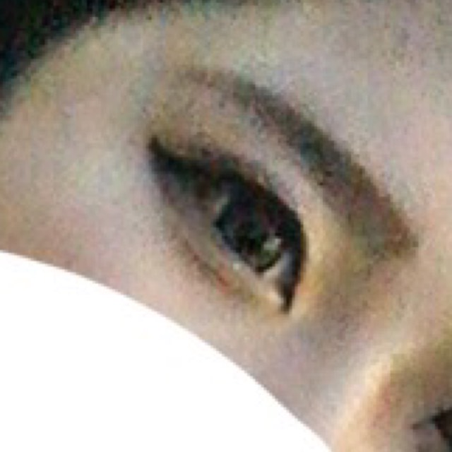 ポイント  1.ちょいタレはね上げラインにする。  2.はね上げたラインにカーキ色のシャドウ(緑系シャドウ)でぼかす。  3.涙袋の幅はいつもより狭めにして色は上品なベージュが◎  4.眉毛は眉頭は薄め、 眉尻は濃いめが〇
