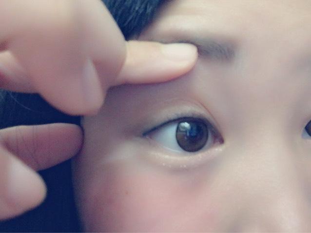 マスカラは瞼を上げながら塗る  したまつ毛は整える程度で