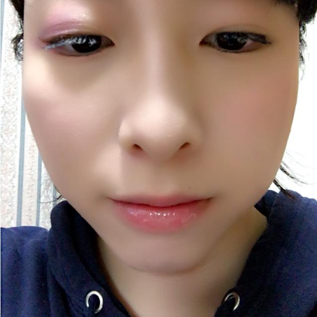 マスカラはボリュームとロング重視で! 唇はクリームチークと透明グロスでほんのり血色をだします