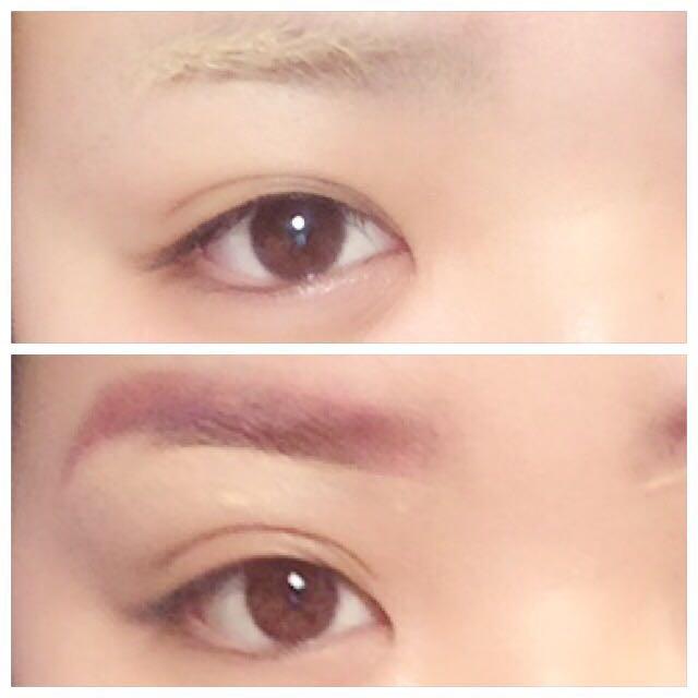 まず、コンシーラーで眉毛の色を抜きます。 乾かしてる間に大きめの二重を作っておく。ある程度乾いたら茶色がかったピンクのシャドーで眉毛を書き、コンシーラー等で形を綺麗に整える。