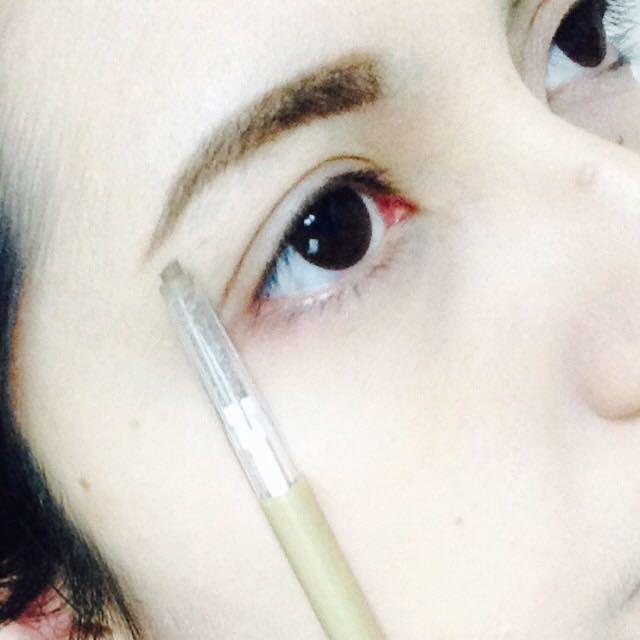 下地とファンデを塗った後に眉毛を書きます。✨