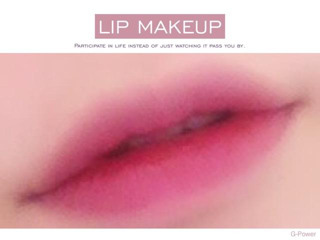 ディライトトニーティントのlipを唇の内側から塗っていくのがポイント! 初めて使ったから上手に出来なかったけど(´._.`)w