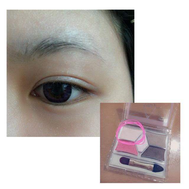 上瞼に写真の色を塗ります。