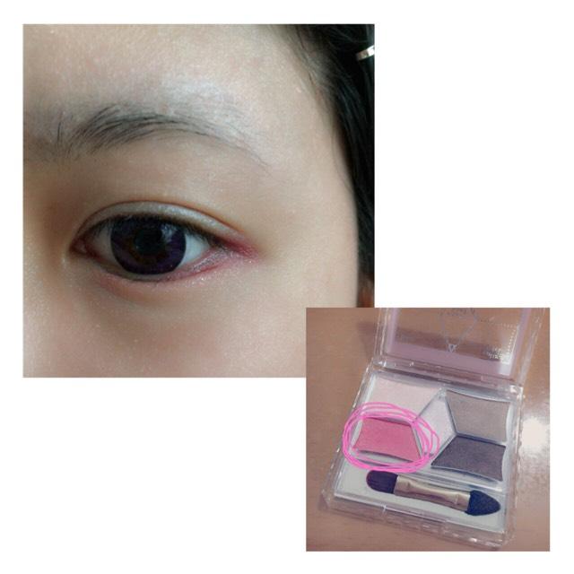 次に下瞼に写真の色を塗ります。 目尻から真ん中ぐらいまで◎