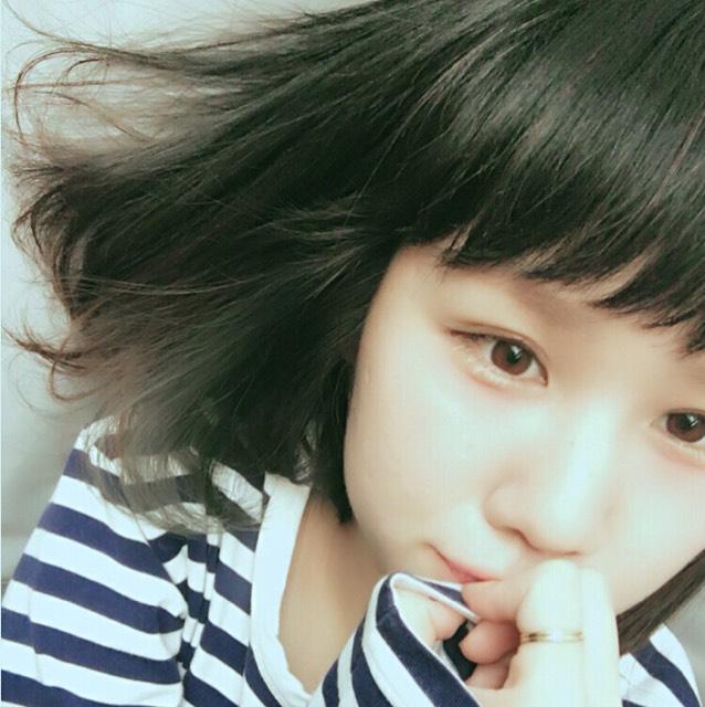 yuriで撮ったものです。Korean styleとゆーことで韓国っぽい雰囲気で撮れるのかな?なんせ今わたしがハマってるエフェクトです。