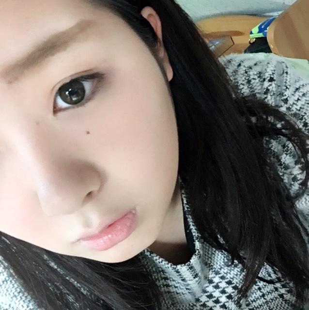 眉毛をかくのは苦手です…( -ω- `) 二重の作り方は個別に説明しているのでぜひそちらを見てみてください☆