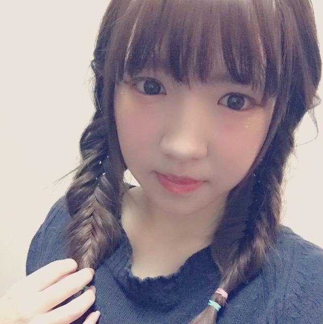髪の毛をセットして完成です(^ ^)  ゆるい感じの髪型が可愛いと思います。