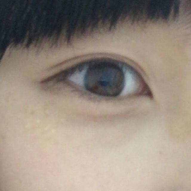 韓国コスメでスモーキーメイクのAfter画像