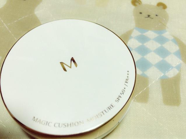 持ってる人もいると思います![ MISSA / クッションファンデーション(モイスチャー)]です!韓国ではもう当たり前のクッションファンデ!こちらはみなさんにも手の出しやすいもので、値段は¥1080でした!私は21番を買いました!