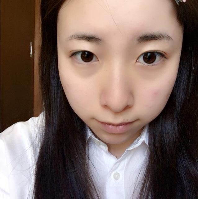 くすみ系メイクのBefore画像