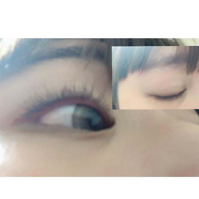 アイラインはブラウン!!!目を瞑っても分からないようにまつ毛の下にひいこう!!!目尻も目に沿って1mmくらいほんの少し長くひこー、